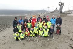Beach-clean-up-by-Tollymore-Bears