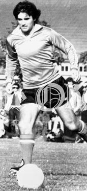 61540695-sporting-memories-george-best-action