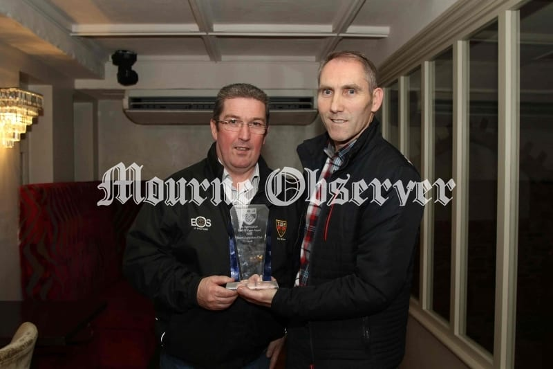 Mickey-Linden-receives-his-award-from-Sean-Rooney-County-Chairman