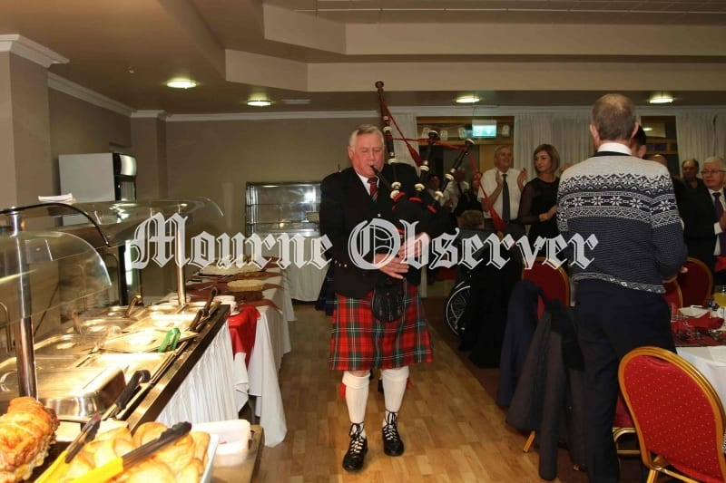 James-Stevenson-pipes-the-Haggis-in-to-the-main-hall