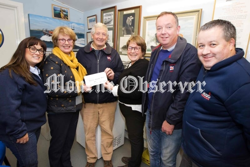 RCD-ladies-GC-cheque-to-the-RNLI