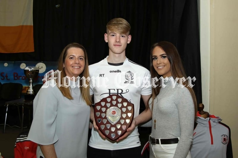 Minor-Footballer-of-Year-Ryan-Toal-with-his-Mum-Joanne-and-Sister-Eimheir