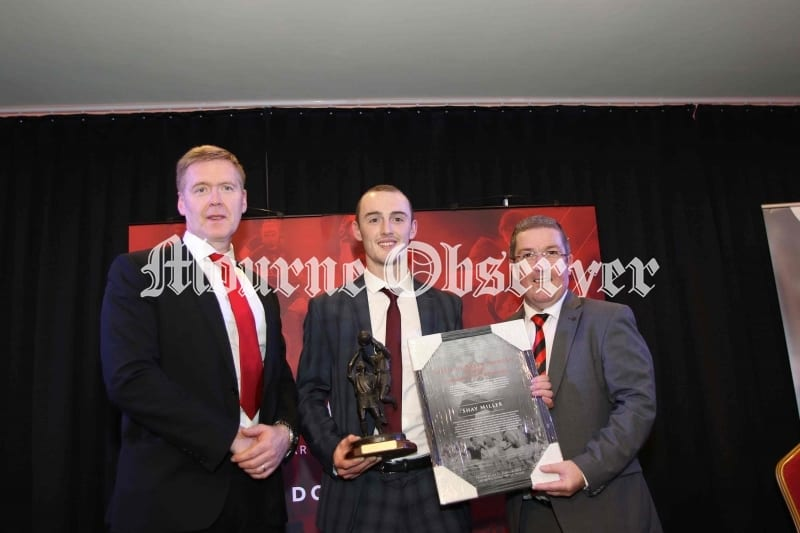 County-Player-of-Year-Shay-Miller-receiving-the-Spirit-of-Breen-Morgan-Trophy