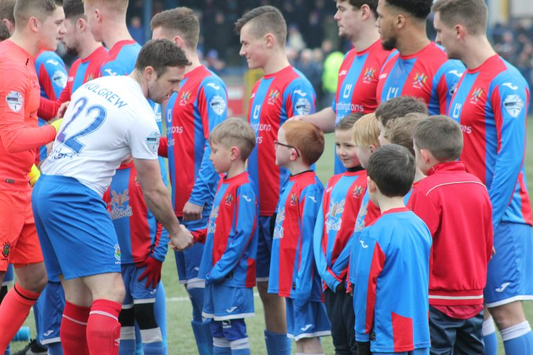 Linfield's Jamie Mulgrew is a real family man