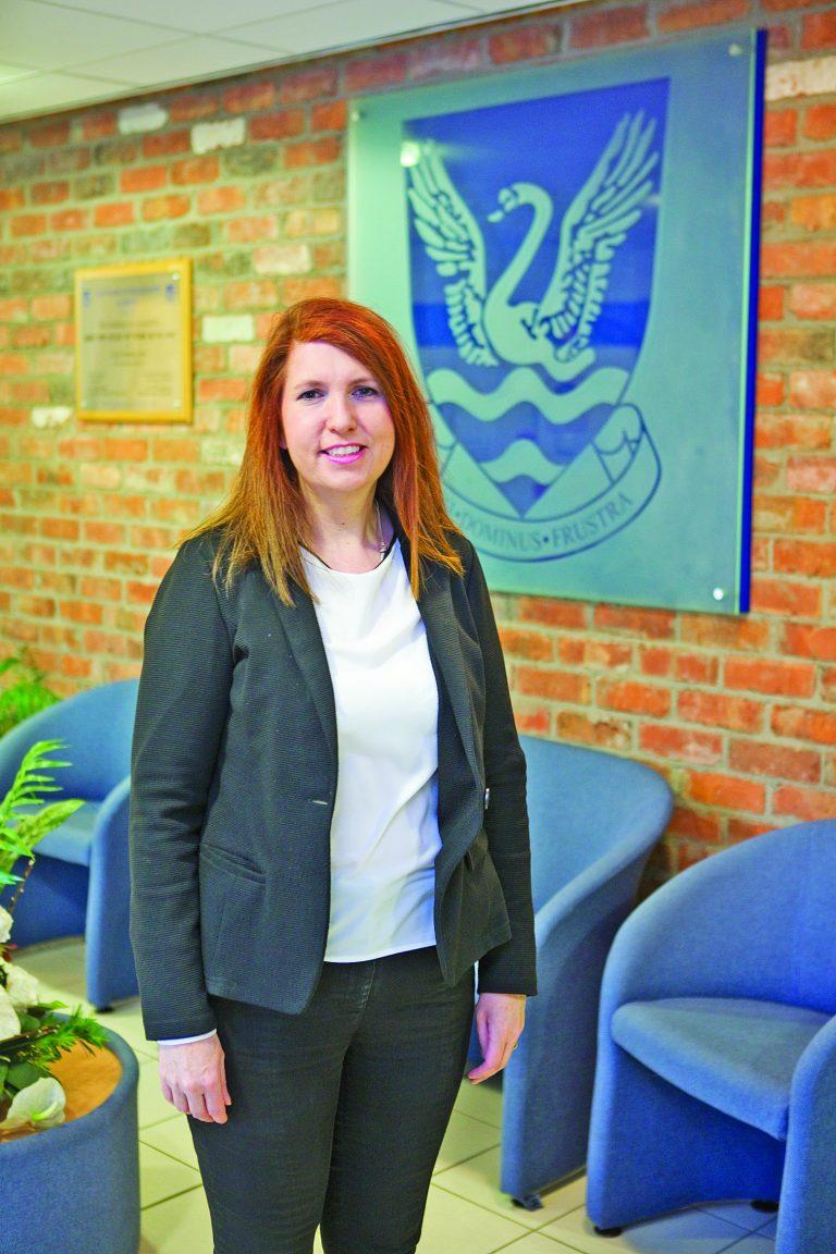 Glenlola Collegiate teacher Janine Heron wins provincewide awards