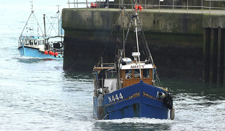 Fishermen want to put 'incident behind them'