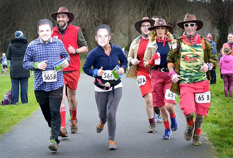 Over 1,350 runners complete Christmas Cracker pairs race